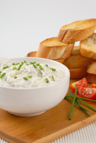 Quark Joghurt Dip mit Schnittlauch