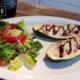 Zucchini Mini-Pizza mit Salat