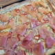 Fertige Zucchini Pizza mit Lachs