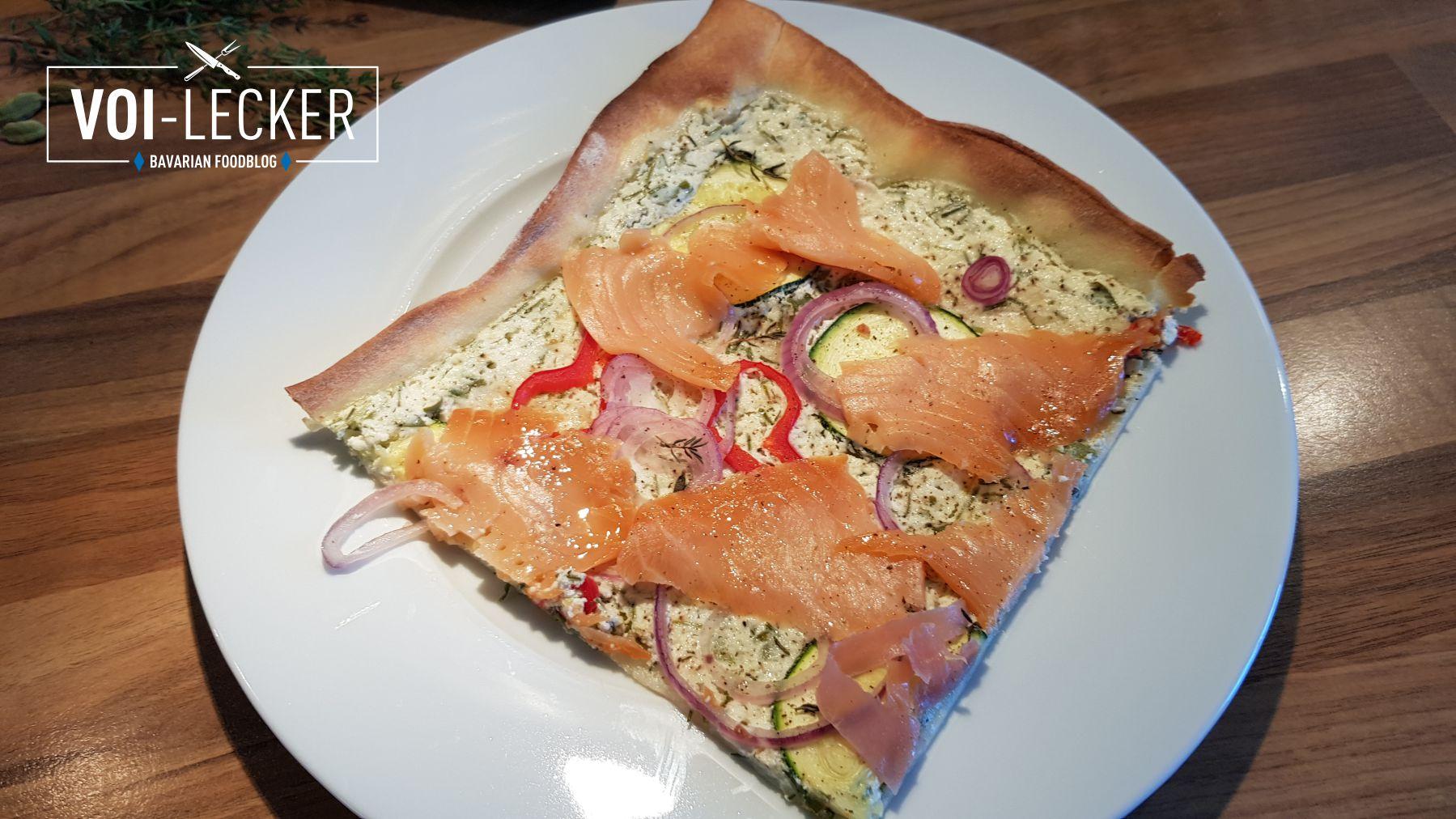 Zucchini Pizza mit Lachs