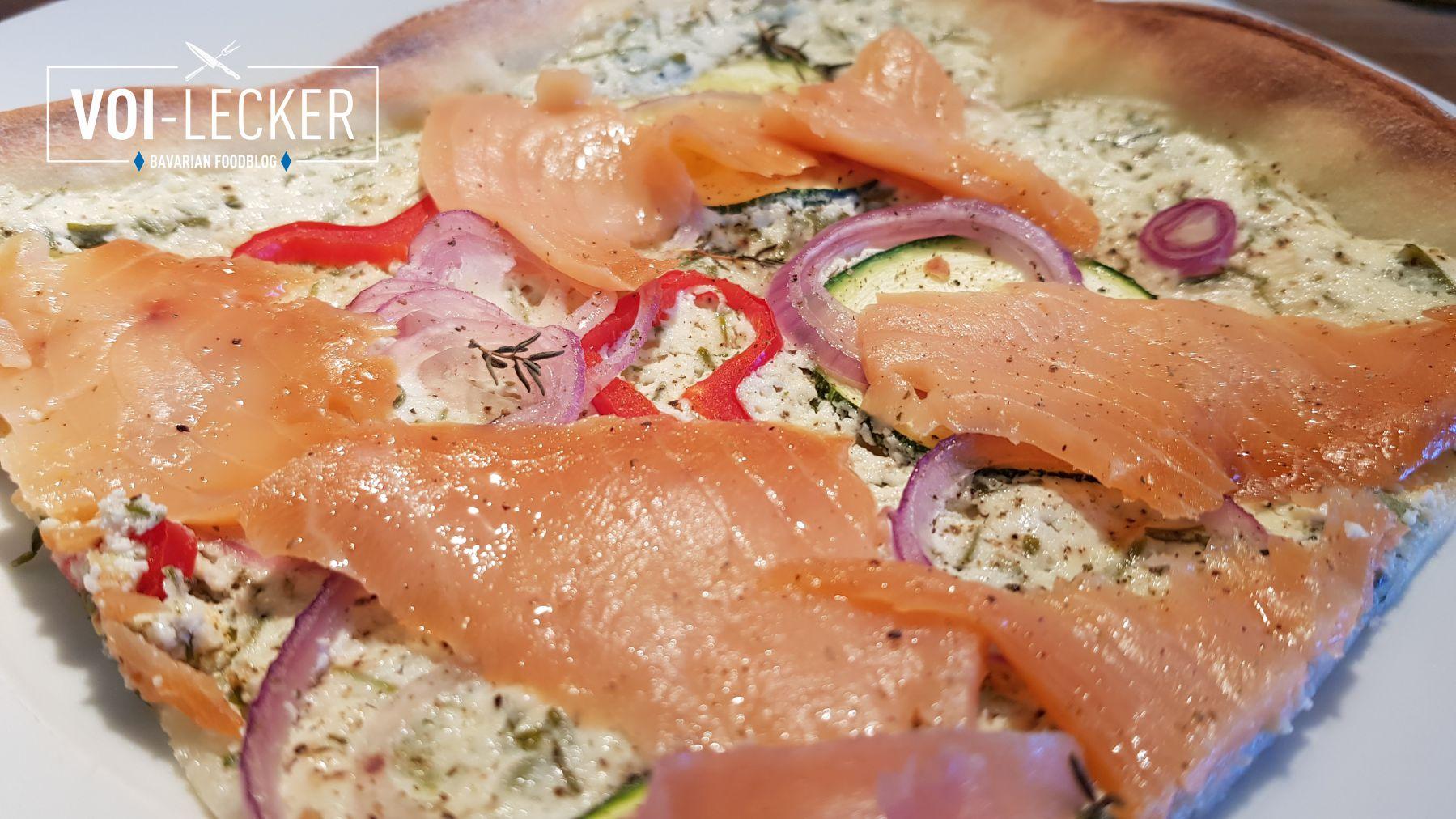 Zucchini Pizza mit Lachs Deteil