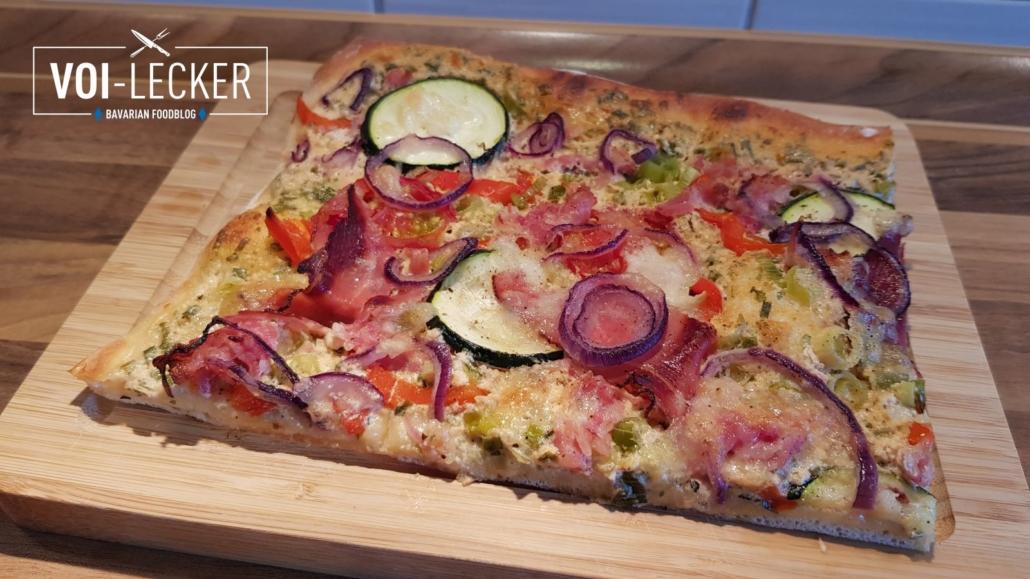 Ein Stück Bunte Pizza