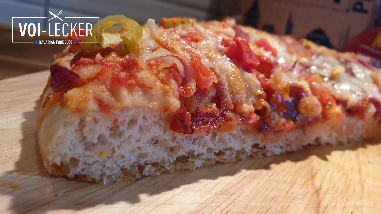 Der luftige Teig der BIG CITY Pizzen nach amerikanischer Art.